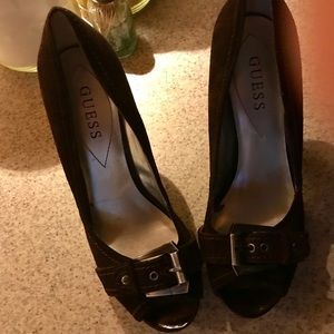 Guess Chocolate Brown Heels 8M